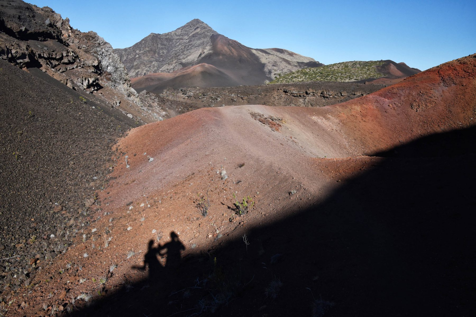 Bright volcanic colors on the north side of Haläli'i