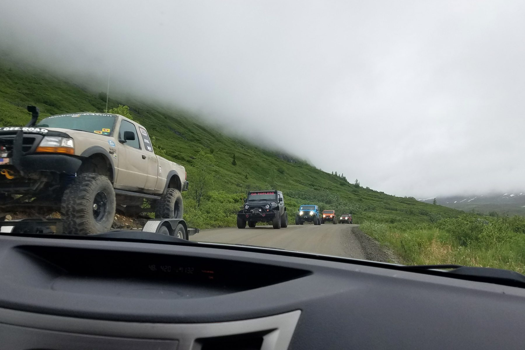 Jeep convoy at Hatcher Pass